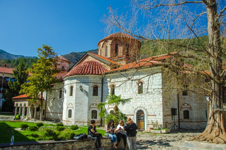 How to Plan a Day Trip to Assenowgrad & Bachkovo in Bulgaria