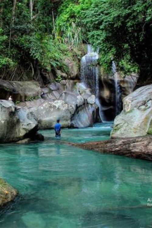 The top 25 Bali Waterfalls - Air terjun Nyarai