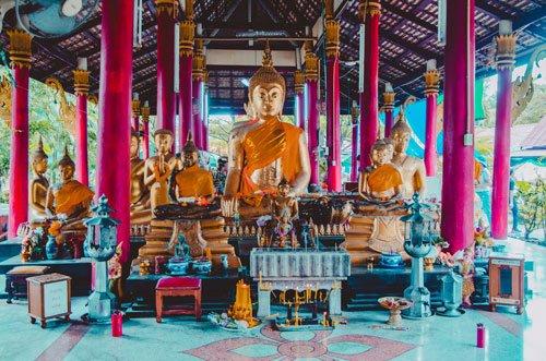 Temple near Khlong Lat Mayom Floating Market in Bangkok