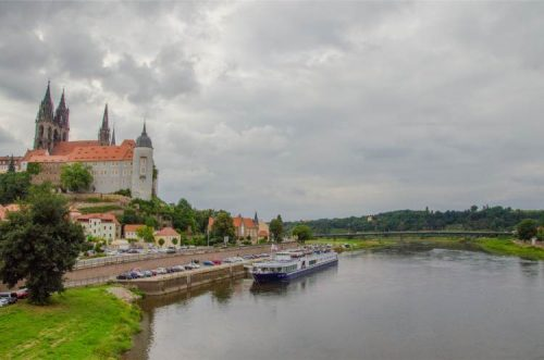 Albrechtsburg in Meißen seen from the river