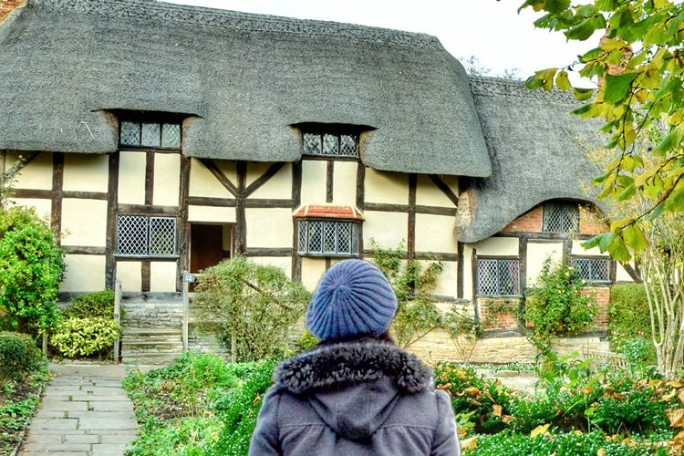 How to Have a Classic Day Trip to Stratford-upon-Avon | Sponsored