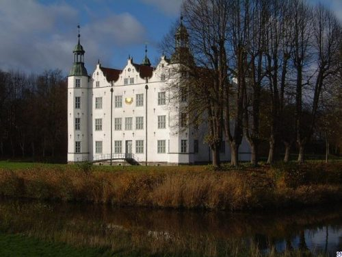 Ahrensburg Palace in autumn, Germany
