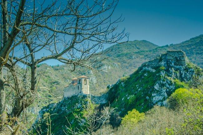 How to Plan a Day Trip to Assenowgrad & Bachkovo in Bulgaria