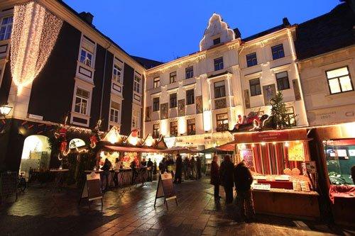 Glockenspielplatz Christmas Market