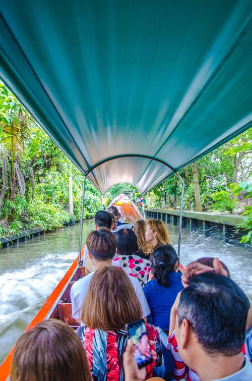 Longtail boat tour at Khlong Lat Mayom Floating Market in Bangkok