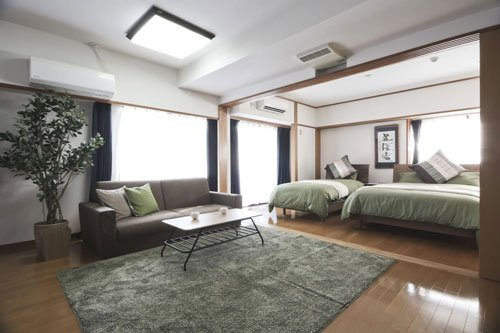 Airbnb Tokyo apartment for 10 people