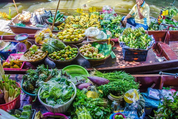 Where to Find the Best Floating Market in Bangkok - khlong lat mayom