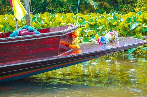 Khlong Lat Mayom Floating Market in Bangkok
