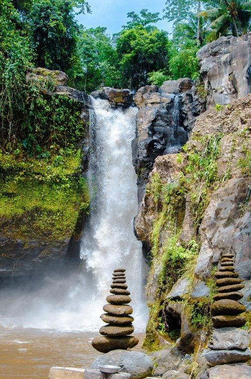 Tegenungan Waterfall (Blangsinga Waterfall) from the pool