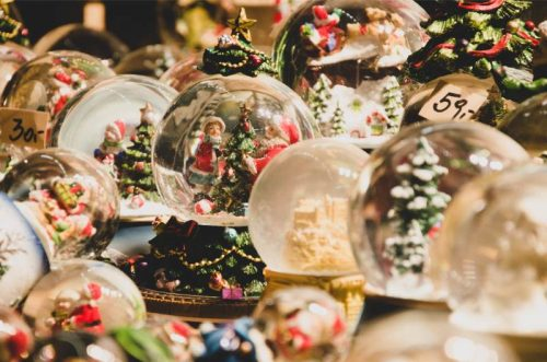 snow globes at Salzburg Christkindlmarkt
