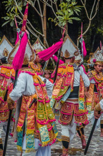 balinese dancers at Pura Tirta Empul