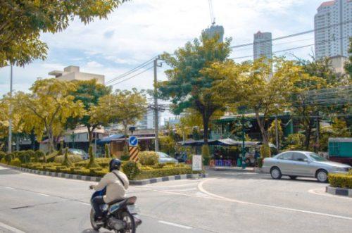 Banbgkok scooter, tuk tuk and public transportation