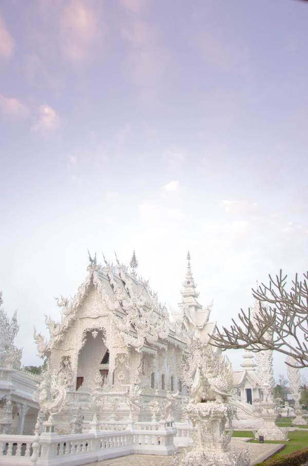 Chiang Rai White TEmple at purple sunrise