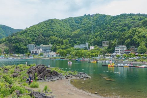 resorts and hotels lining Lake Kawaguchi in Japan