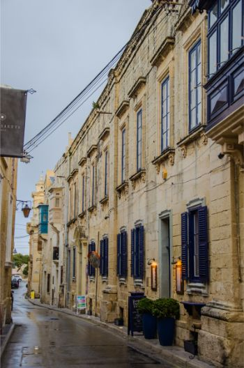 rainy streets in Rabat, malta