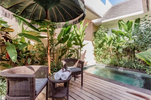 Low-Key Villa with a Pool Walking Distance to the Beach, Canggu, Bali