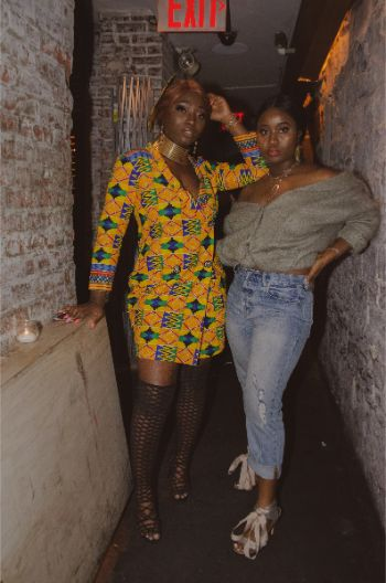 NYFW2019 attendees in an underground bar and with bright outfits