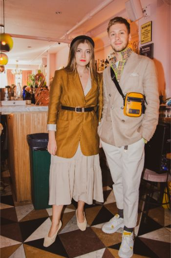 autumn coloured street style with couple outfits at NYFW 2019