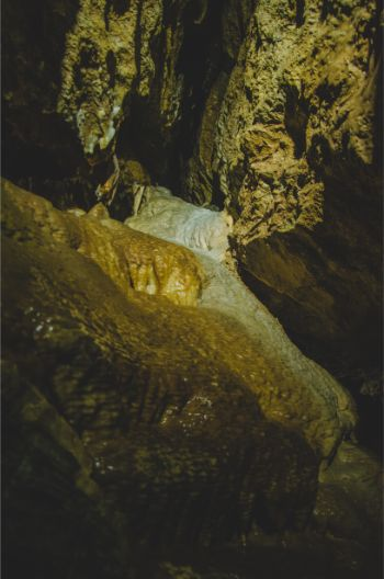 massive stalagmites in Syrau Dragon Cave