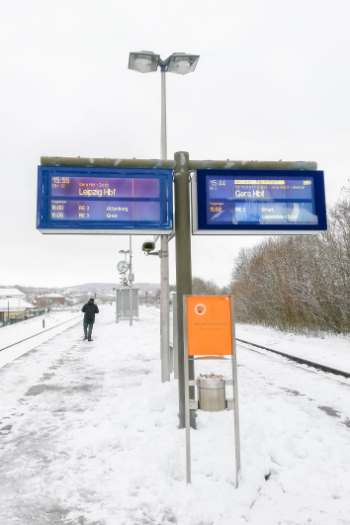 snowed in German platform
