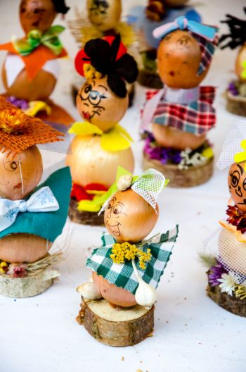 little dolls made from onions